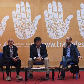 Le mani su Roma