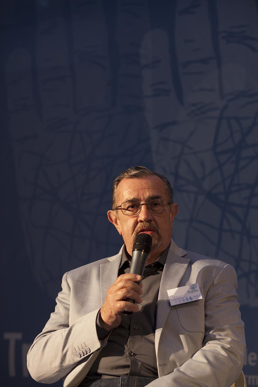 Angiolo Pellegrini sul palco di Trame Festival (foto di Mario Spada)