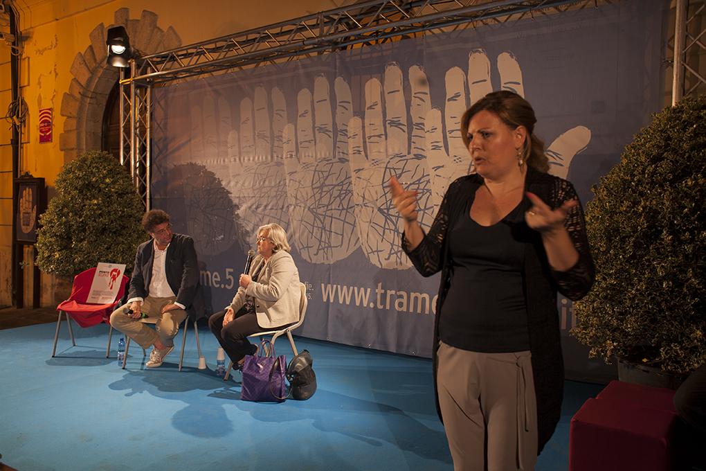 L'incontro di Rosy Bindi e Gaetano Savatteri tradotto in simultanea nella Lingua Italiana dei Segni (foto di Mario Spada)